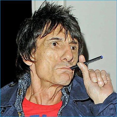 Top 50 Celebrities who vape - ronnie wood