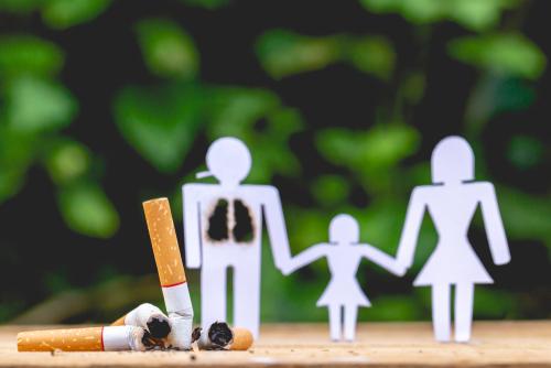 ٣٠ سببا لماذا يجب عليك الإقلاع عن التدخين والبدء في الفيبينج - الإعلانات التسويقية المريضة