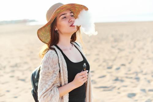 ٣٠ سببا لماذا يجب عليك الإقلاع عن التدخين والبدء في الفيبينج - حياة أكثر هدوءًا وبلا إدمان