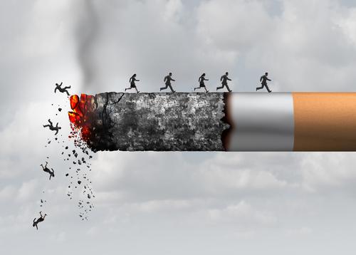 ٣٠ سببا لماذا يجب عليك الإقلاع عن التدخين والبدء في الفيبينج - أكبر القتلة على الإطلاق