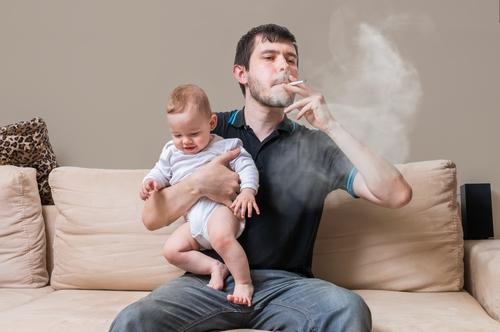 ٣٠ سببا لماذا يجب عليك الإقلاع عن التدخين والبدء في الفيبينج - التدخين السلبي